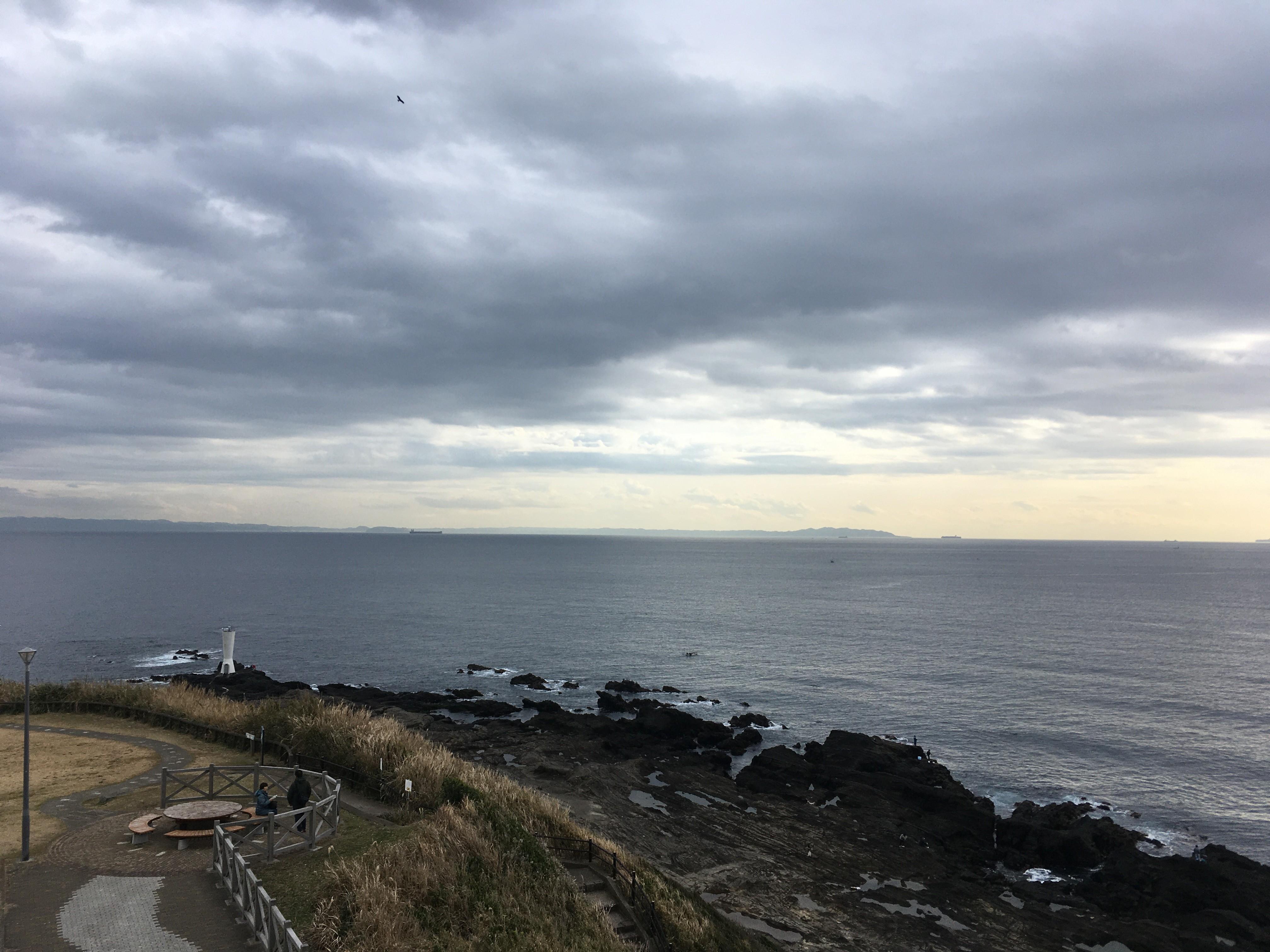 城ヶ島砲台跡から安房崎灯台を眺める