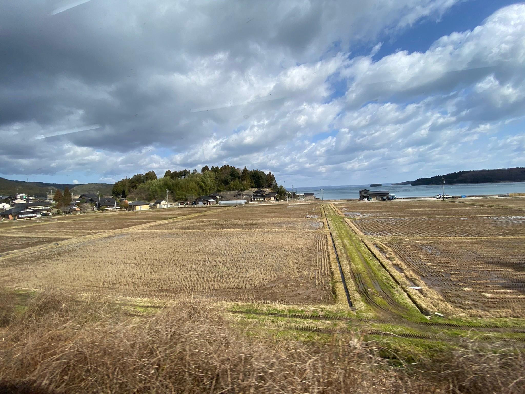 のと鉄道七尾線車窓からの風景