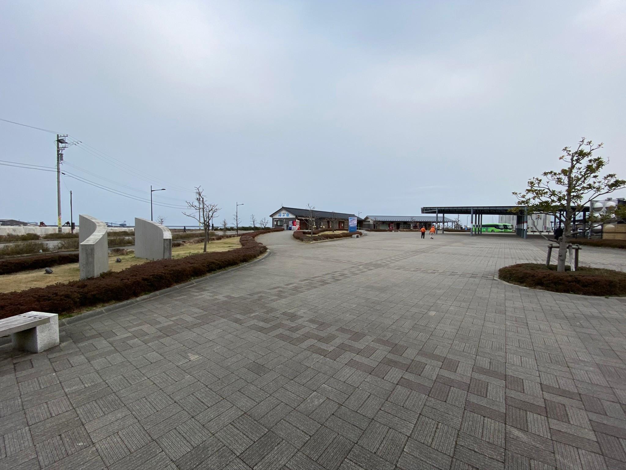 わじま海の駅前広場