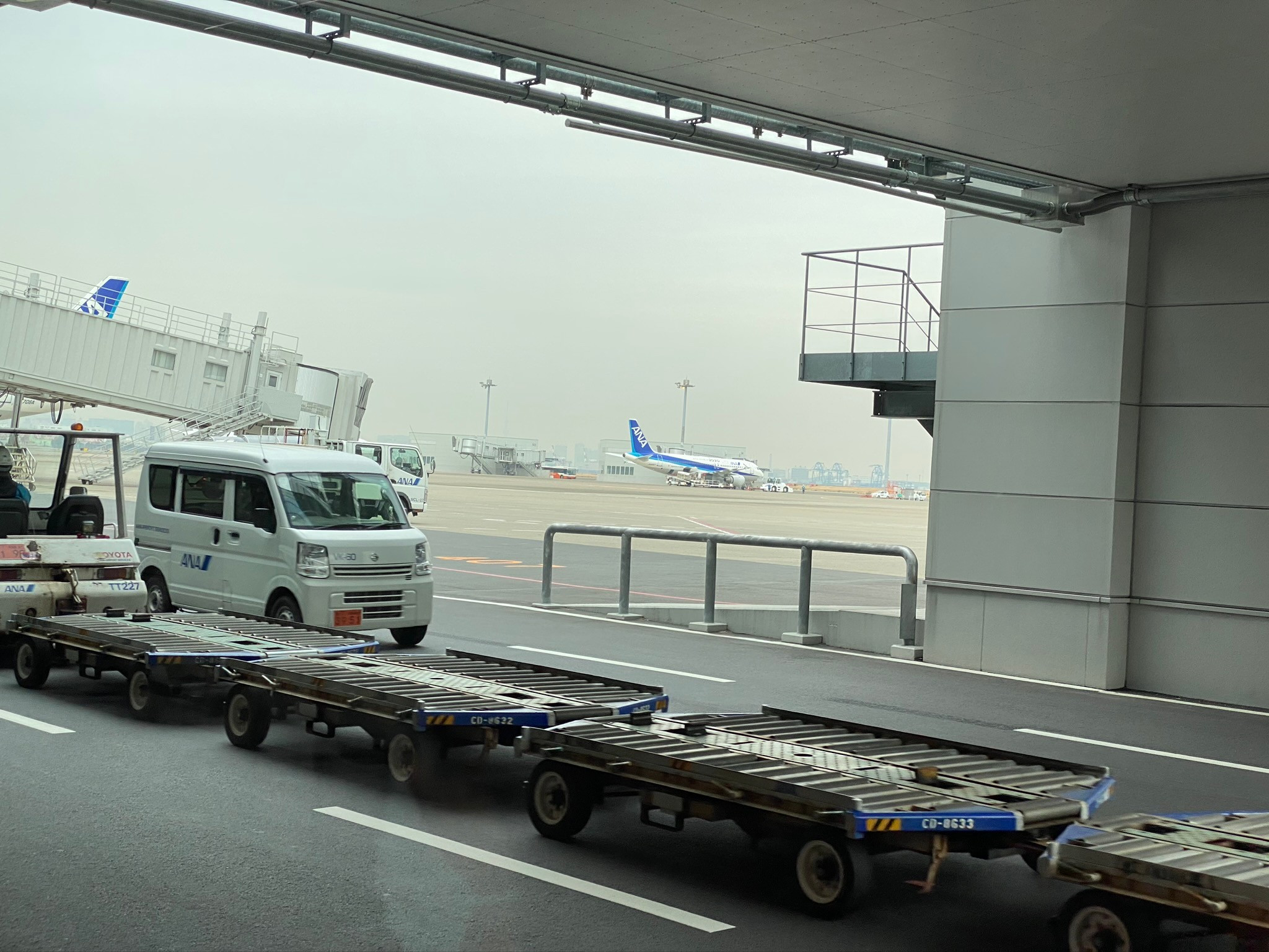 羽田空港リムジンバス待ち