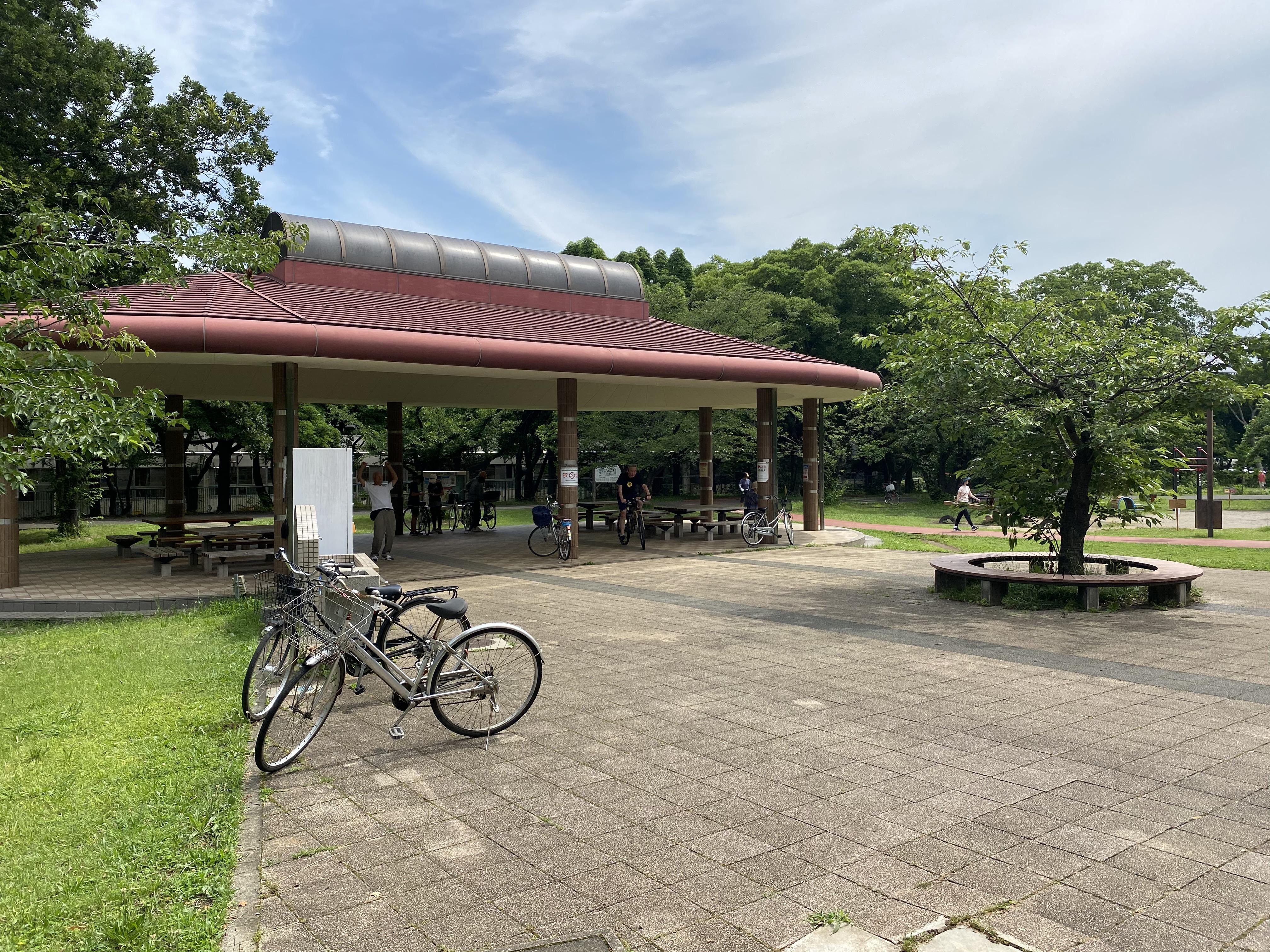 休憩所(多目的広場)