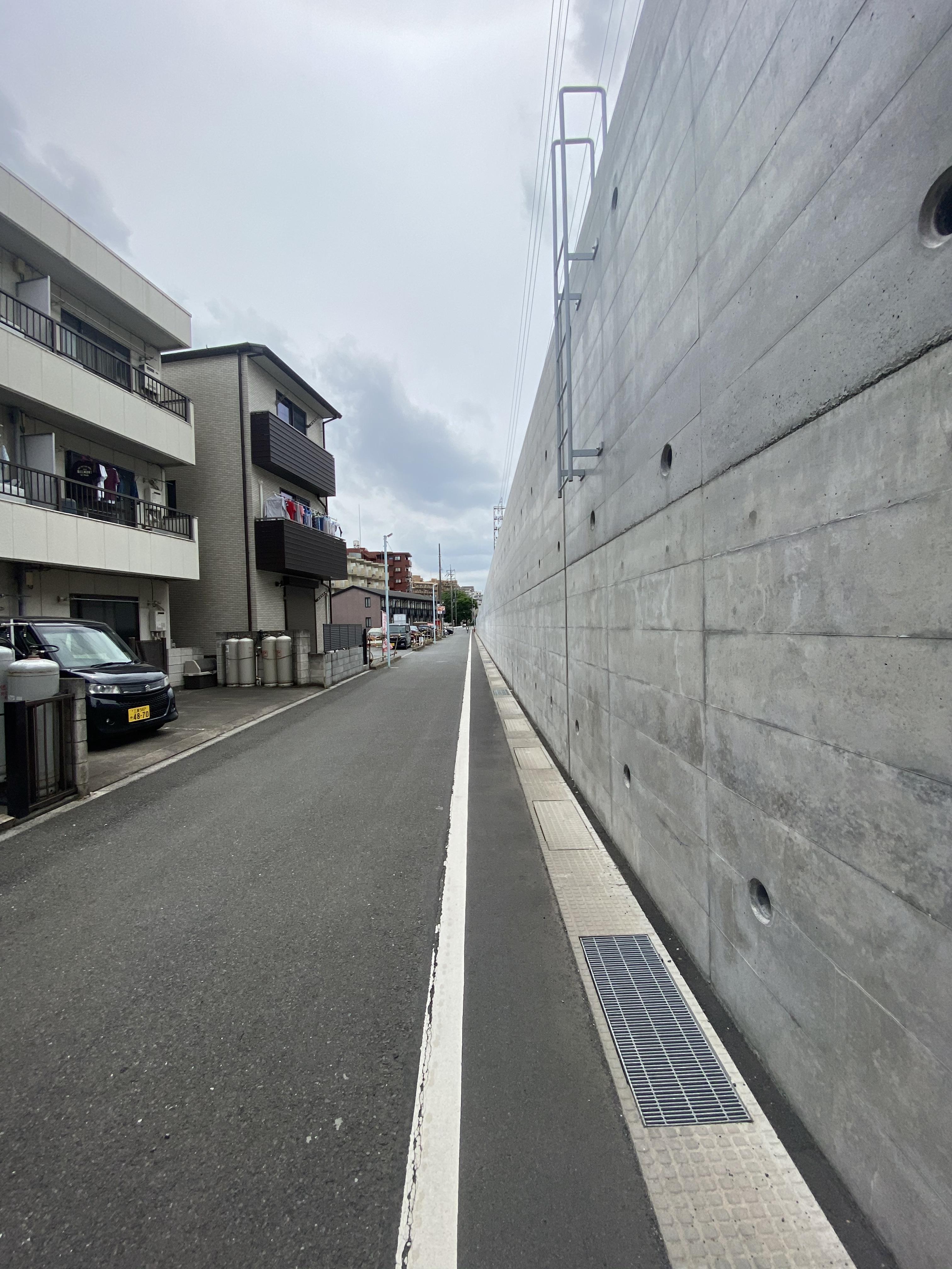 東武東上線高架脇